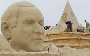 Giant_sand_head
