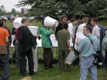 Giant_beer_cups