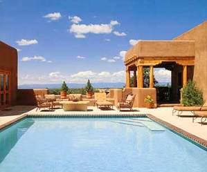 Luxury_swimming_pool
