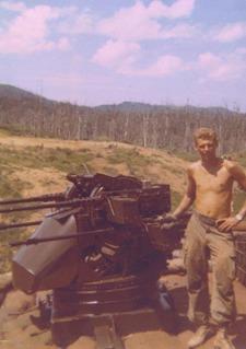 Vietnam_gunner