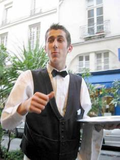 Waiter_in_paris_3