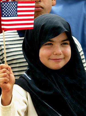 девочка с флагом